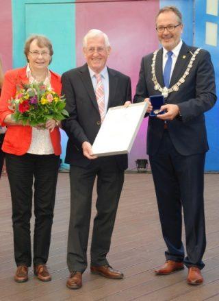 Ehrenmedaille der Stadt Meppen für Nothard Kassburg